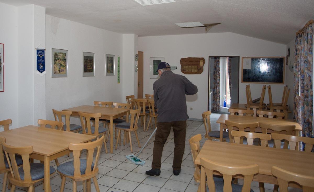Geflügelzuchtverein Raum ist undicht